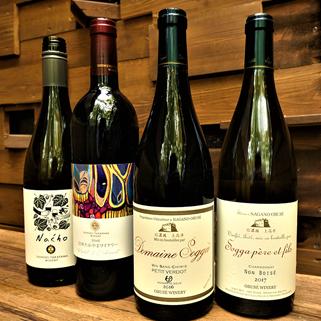 ワインは地元ワイナリーを中心に