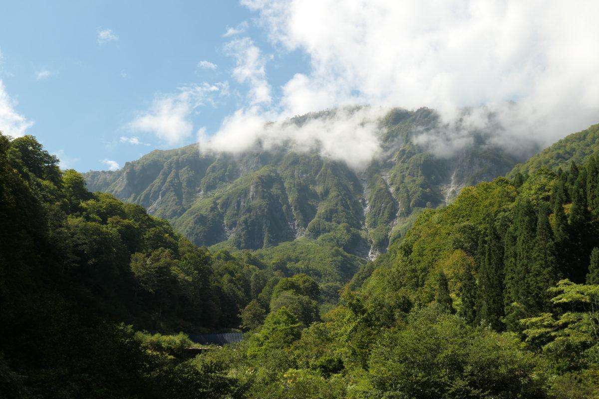 名峰・鳥甲山にはオーラがあります。