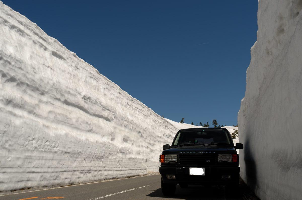圧巻!雪壁走行は4月中旬可能です
