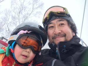 親子初スキー、娘と父の涙とは。