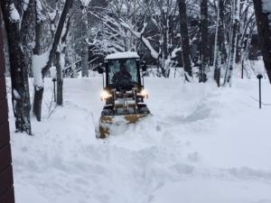 除雪は黙々と直向きに。